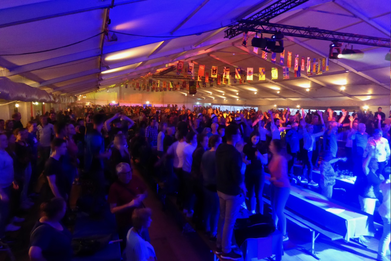25. Mai: Halligalli-Party